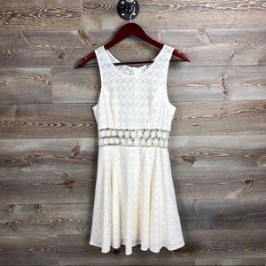 90a5c7dfa58e Free People Lace Crochet Waist Floral White Dress